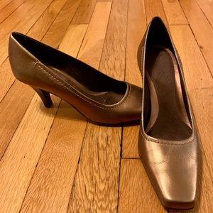 Bronze Comfy Heels!
